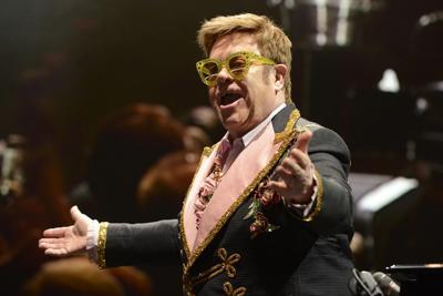 Elton John sta male, salta concerto di stasera a Verona
