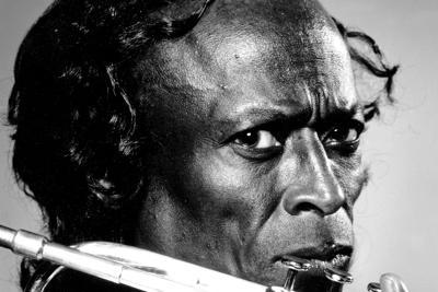 Venduta all'asta la mitica tromba blu di Miles Davis