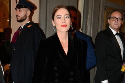Scala, Boschi stupisce in Armani e Patti Smith in pantaloni: tutti i look