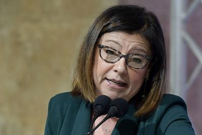 Sanremo, la ministra De Micheli contro Amadeus