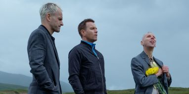 Sick Boy, Renton and Spud pay their respects to Tommy