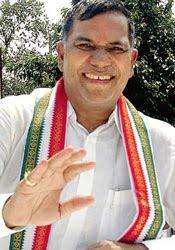 India: Court orders corruption probe of Mumbai Congress chief
