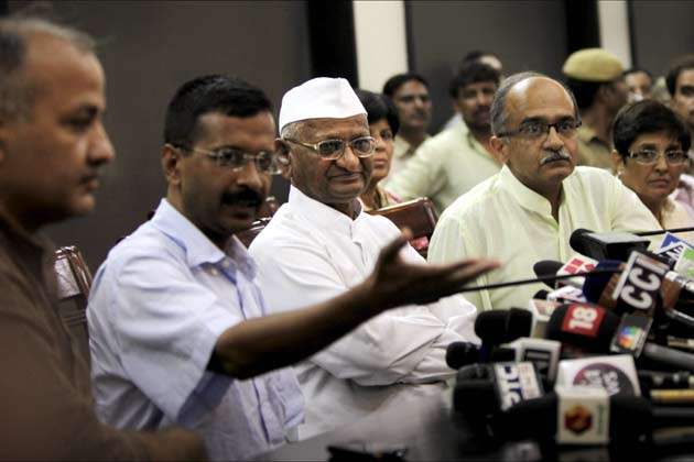 India: Anna Hazare launches protest against government