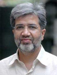 Pakistan: Anti-corruption chief amply rewarded for his corruption