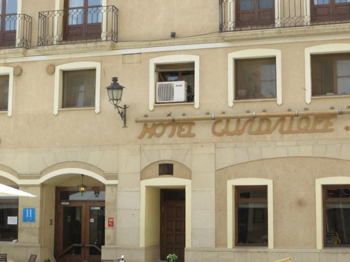 Hotel Restaurante Guadalope - Comer jamón de Teruel