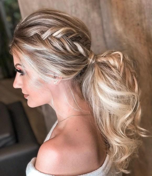 Penteados para noivas com cabelos longos presos