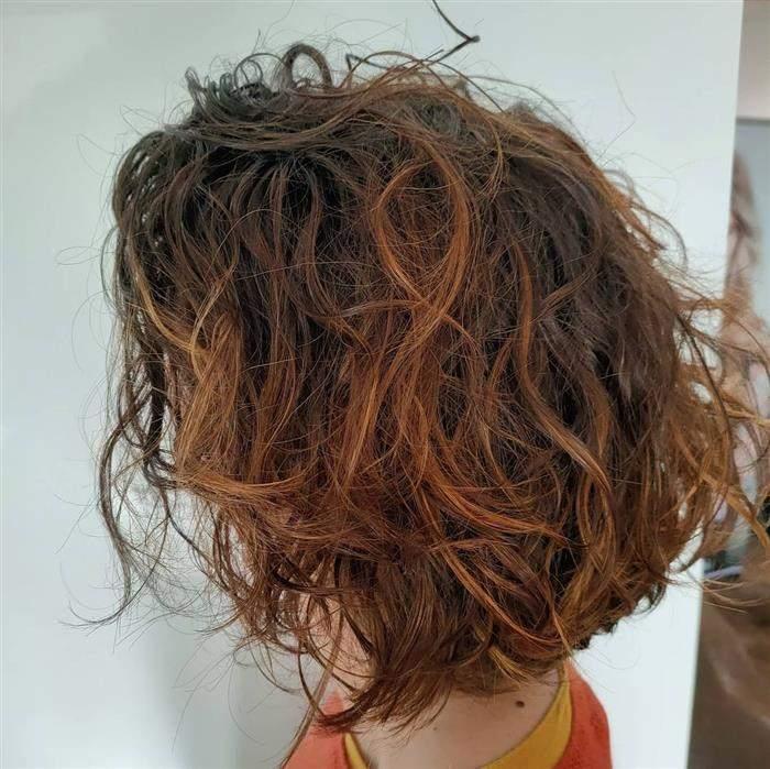 cores de cabelo que combina com a pele morena