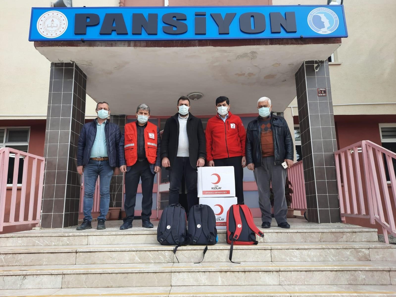 Kızılay'dan YİBO'lu öğrencilere eğitim desteği