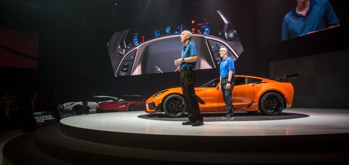 2016 chevrolet corvette zr1 live reveal 004 720x340