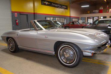 1964 silver corvette convertible automatic 13