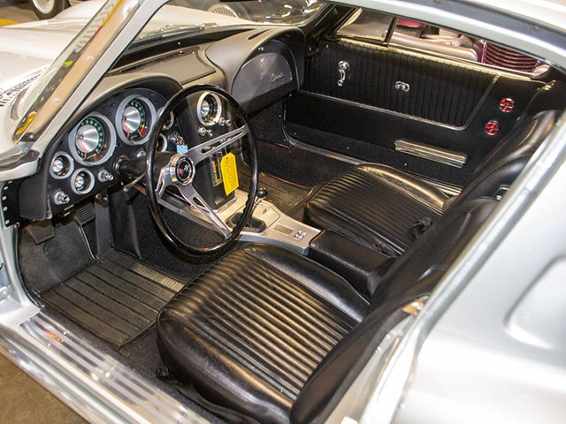 1963 Split Window Fuelie Corvette int