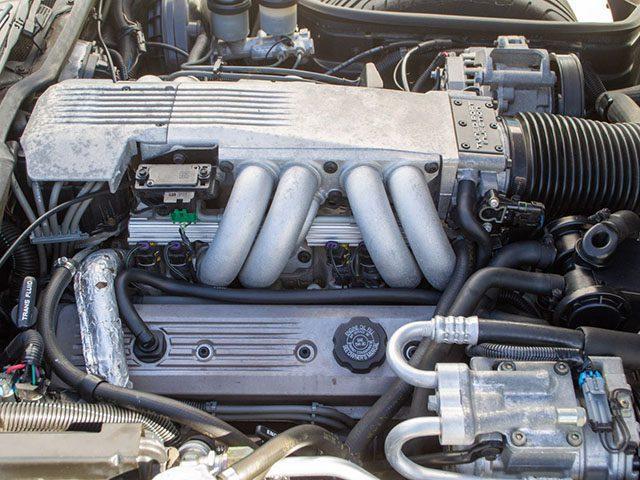 1990 turquoise corvette convertible engine