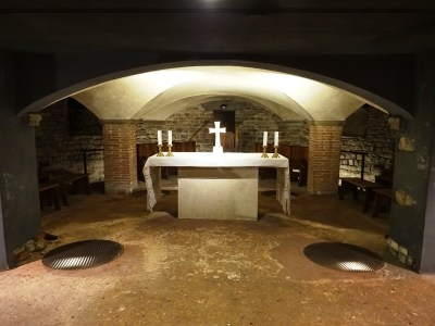 Altar in the crypt.