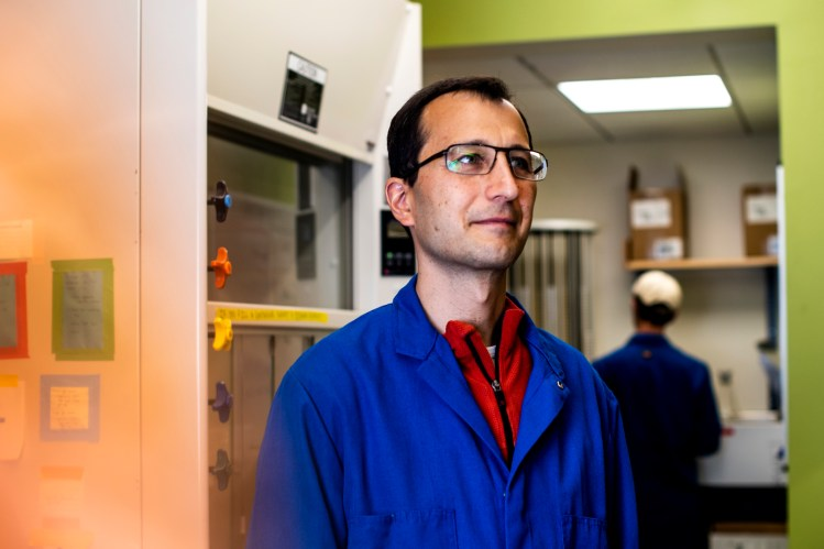 Javier Apfeld, an assistant professor of biology at Northeastern, and his team of researchers are investigating how signals from the brain control how quickly organisms age. Photo by Ruby Wallau/Northeastern University