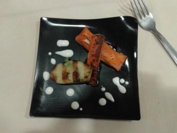 Boletu confitado a la parrilla con canelón de papaya y mozzarella di bufala