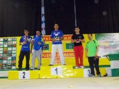 Marino Morales: Campeón -65kg derecha