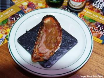 Mogambo matanza, Presa ibérica con cebolla caramelizada, compota de manzana y mermelada de tomate y guindillas