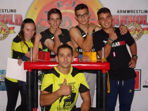 Los miembros del equipo jr navero y Marino Morales