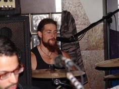 Visy - batería, voz y coros