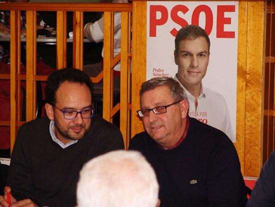 Antonio Esteban con Antonio Hernando a su izquierda