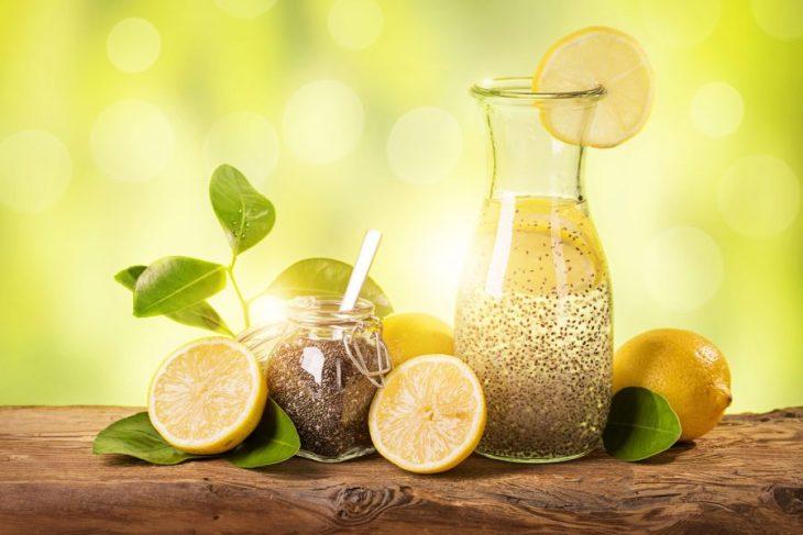 Agua de limón consemillas de Chia - Bebidas para bajar de peso