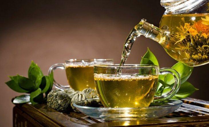 Té verde, una de las bebidas recomendadas para bajar de peso