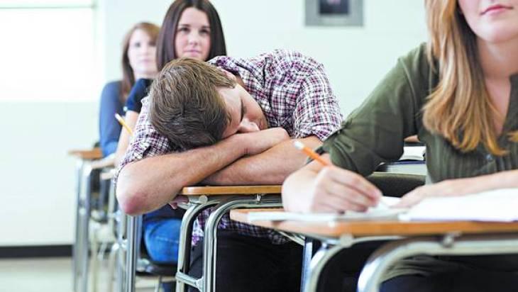La falta de sueño en los adolescentes puede provocar bajo rendimiento escolar