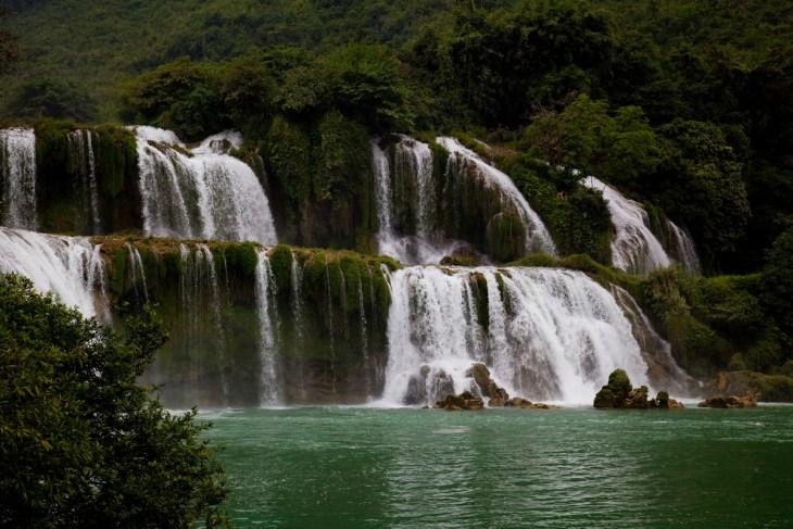 La fascinante belleza de las Cataratas Detian