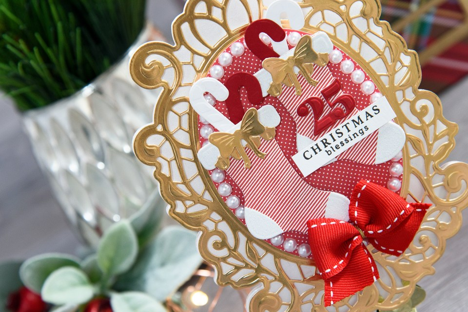 Layered Dimensional Die Cutting. Episode #3 - Shaped Christmas Card - Christmas Blessings