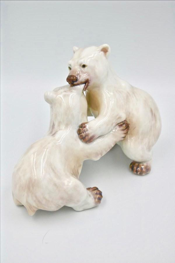 Polar bear cubs by Dahl Jensen