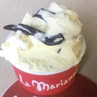 Mangiare la stracciatella, il gelato di Bergamo inventato da Enrico Panattoni
