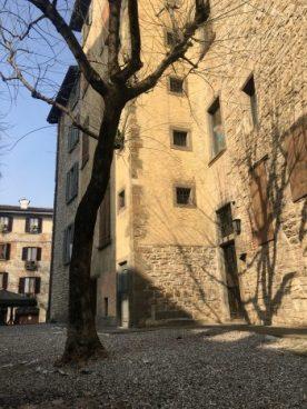 Le case medievali di via Mario Lupo