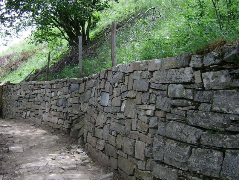 Muretti a secco: patrimonio immateriale dell'UNESCO. La Valle Imagna fa scuola.