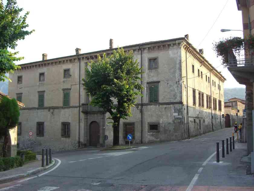 Palazzo Bazzini a Lovere in Primavera