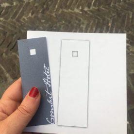 Bigliettino da visita e brochure del Gombit Hotel
