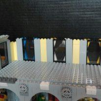 la costruzione di un edificio in Lego