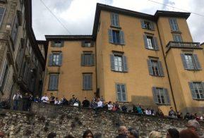 il pubblico della Soap Box Rally di Bergamo