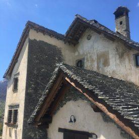 4-Arnosto-tetti-in-piode