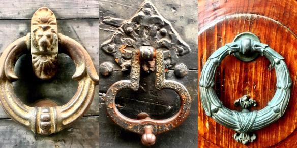 i batacchi sui portoni di Città Alta a Bergamo