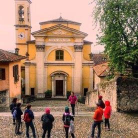 Nordic Walking davanti a Santa Grata Inter Vites