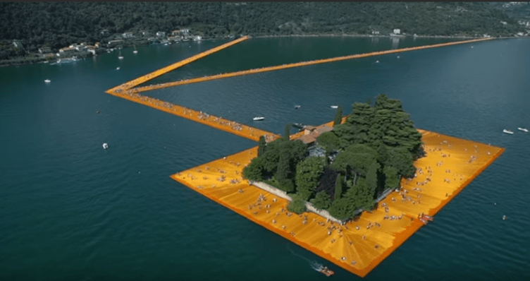 The floating piers dall'alto