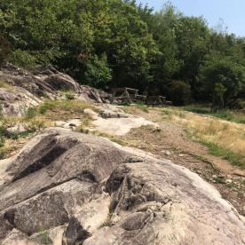 Rocce di calcare e di Verrucano Lombardo