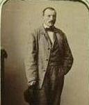 Giacomo Camozzi Vertova con il cappello in mano
