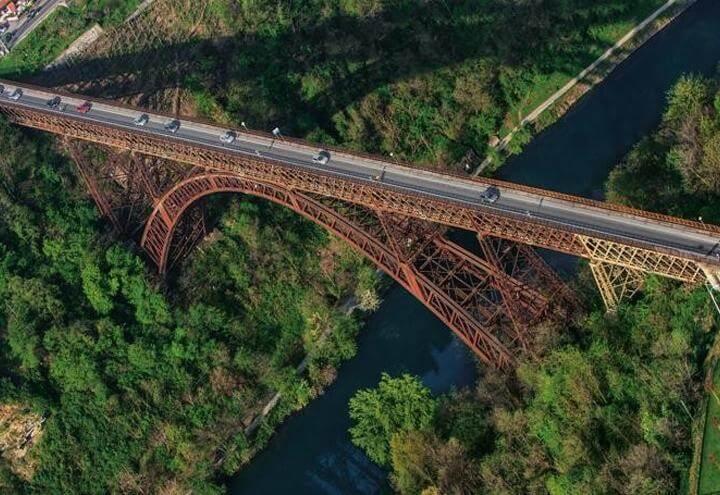 ponte-paderno-con-auto