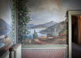 Salottino con i muri dipinti