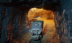 Interno delle Miniere di Dossena