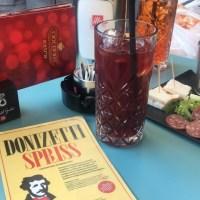 Onorare la musica, Bergamo e il rito dell'aperitivo con il cocktail bergamasco Donizetti Spriss