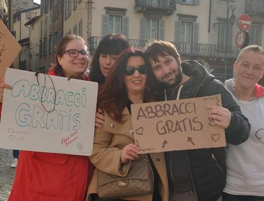 Abbracci Gratis in Città Alta