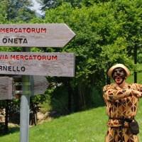 Da Cornello dei Tasso a Oneta, lungo la Via Mercatorum, per scoprire la Casa di Arlecchino