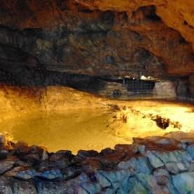 Acqua della Grotta al Santuario della Cornabusa